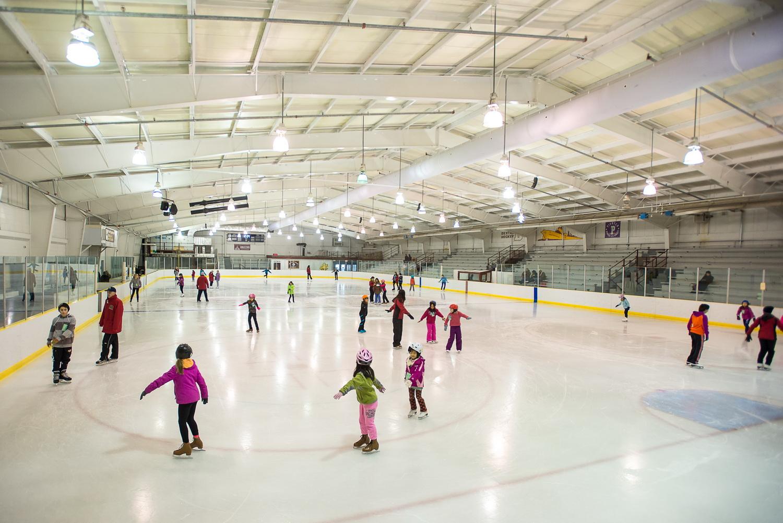строительство ледовой арены